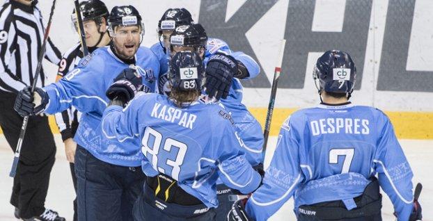 Slovan čaká v príprave na novú sezónu 10 stretnutí  4d1579bee84