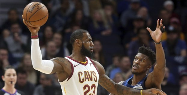 LeBron James a Jimmy Butler