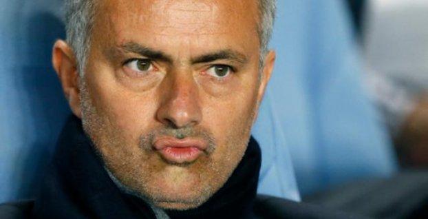 9cfd06107d37f Nespokojný Mourinho po výhre 6:3: Inkasovali sme zbytočné góly ...