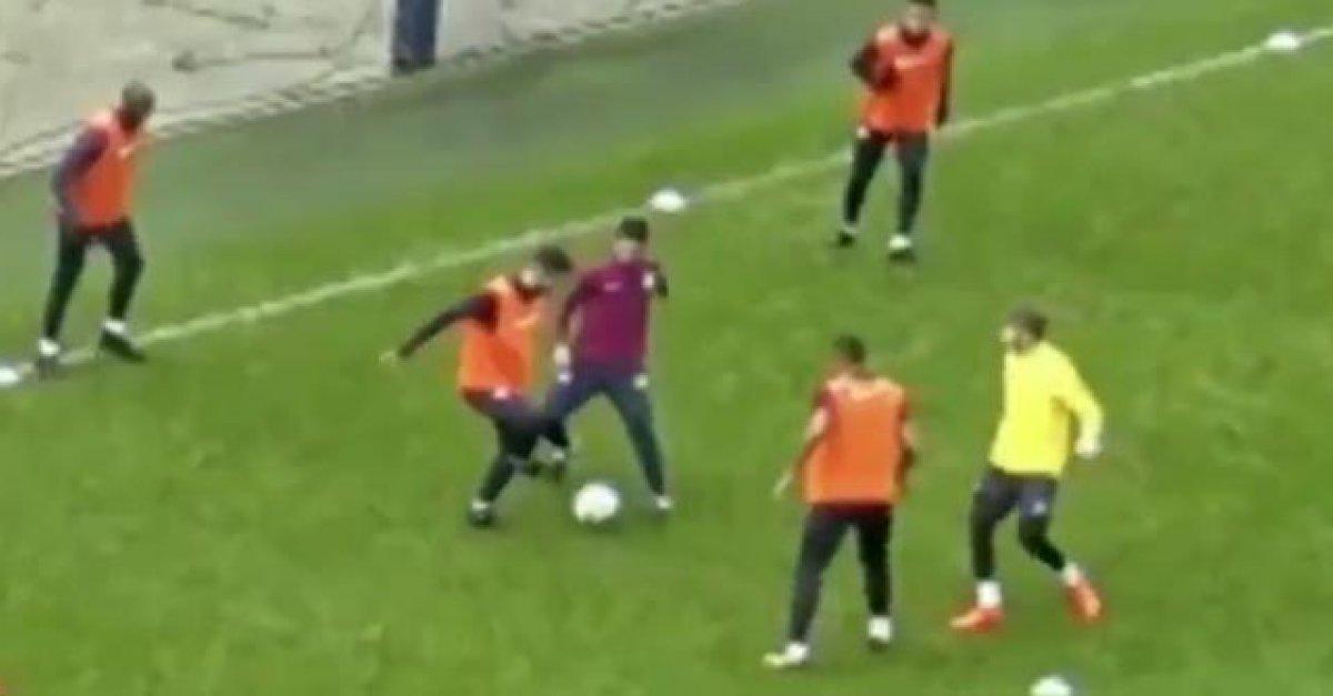 db1b71524c8fc VIDEO: Sergio Aguero vycvičil na tréningu asistenta trénera Artetu |  Šport7.sk