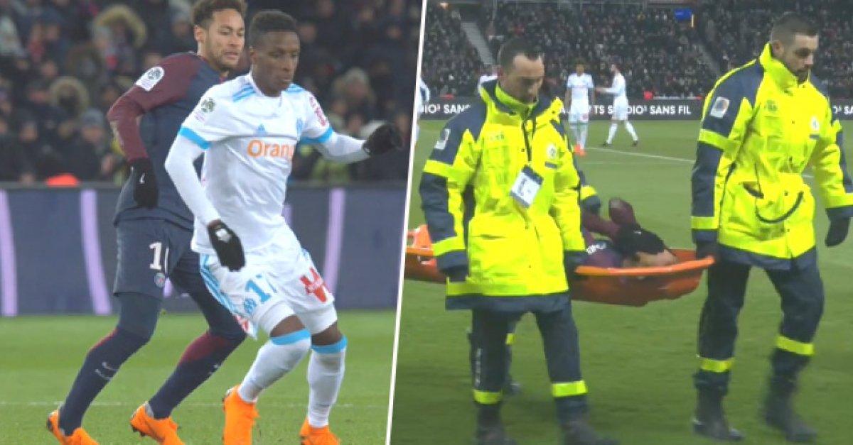 962daed7af7d3 VIDEO: Neymar sa sám zranil a z ihriska ho museli odniesť na nosidlách    Šport7.sk